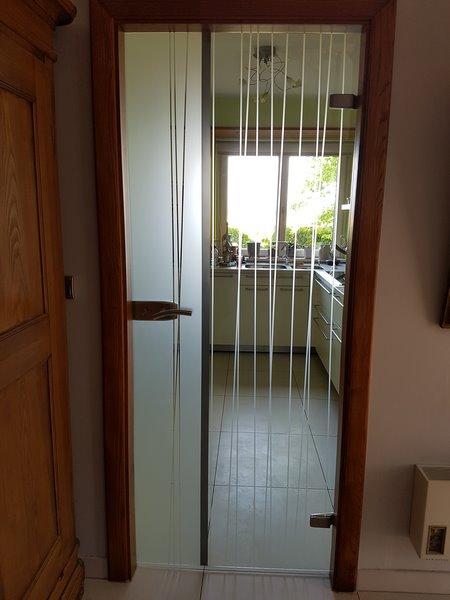 R alisation portes js verre decor - Porte battante en verre ...